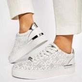 Tout en cuir blanc, ce tennis de LIU JO est tellement chic que vous ne pourrez pus vous en passer 🤩🤍🤩🤍 #sneakersaddict #fashion #womenshoes #summer21 #white Liu Jo www.balka.fr