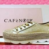 Cette drôle de semelle pour ce tennis/espadrille/derby en cuir platine (à votre choix) est une création de CAFèNOIR 💛💛💛 (modèle DG9540) #sneakersaddict #espadrilles #womenshoes #summer2021 #gold CafèNoir