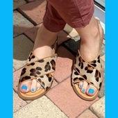 Du léopard à vos pieds, cela vous tente ? Sandale ALIWELL, modèle Sati 🤩💙🟠🔷 #summer21 #womenshoes #fashion #sandales www.balka.fr
